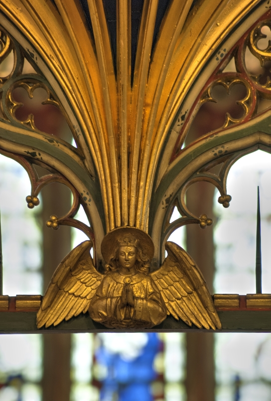 The Comper decoration is everywhere and so taken for granted that this Angel could be anywhere.
